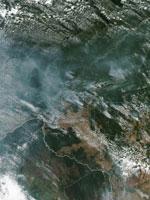NASAが撮影したアマゾンの森林火災による煙の衛星画像